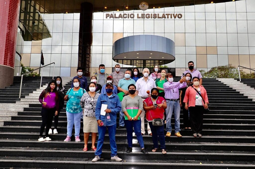 Pueblos Indígenas de Paraguay exigen formar una mesa de trabajo con el gobierno para tratar diversas problemáticas